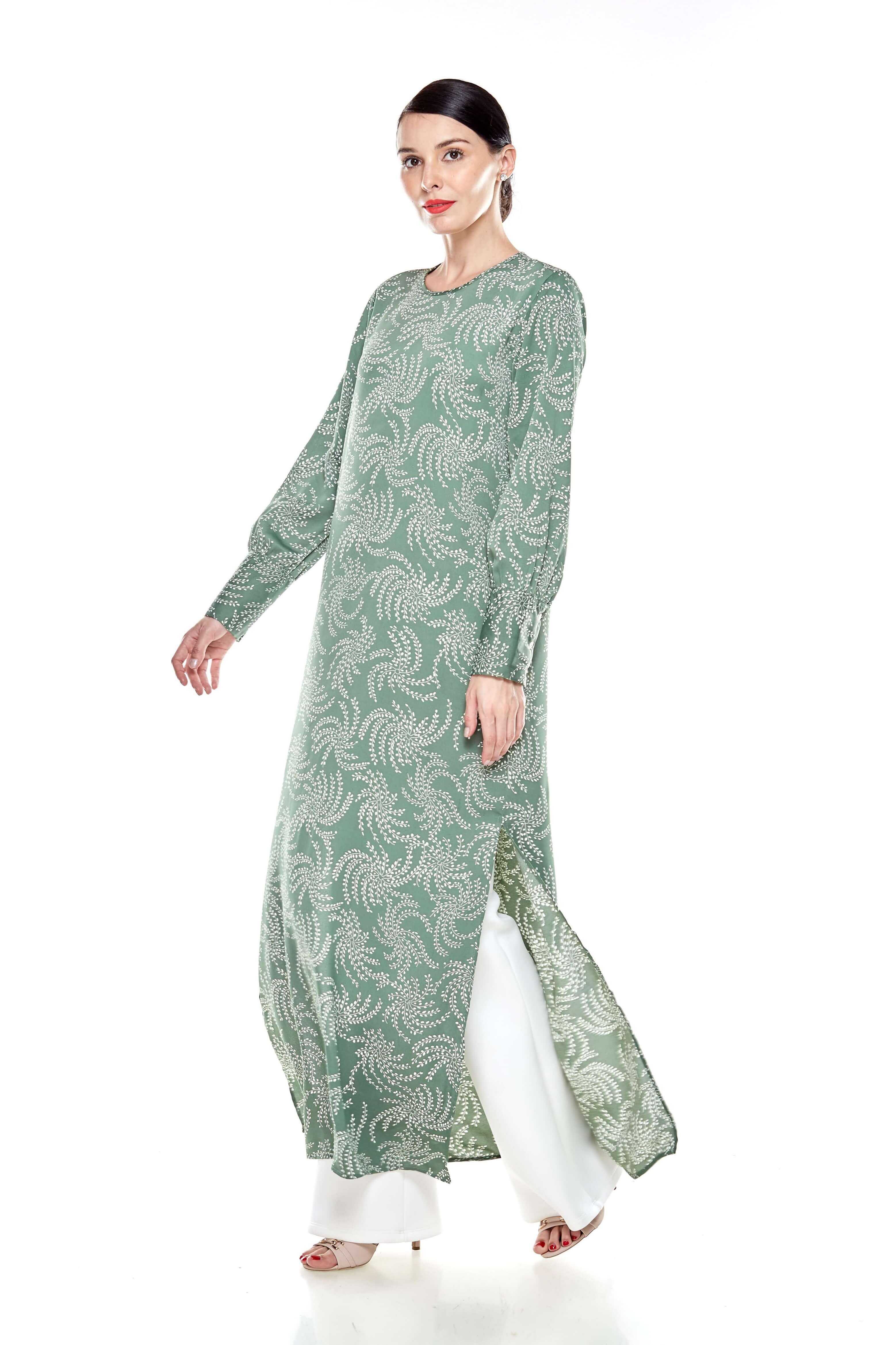 Green Printed Round Neck Dress With Slit (2)