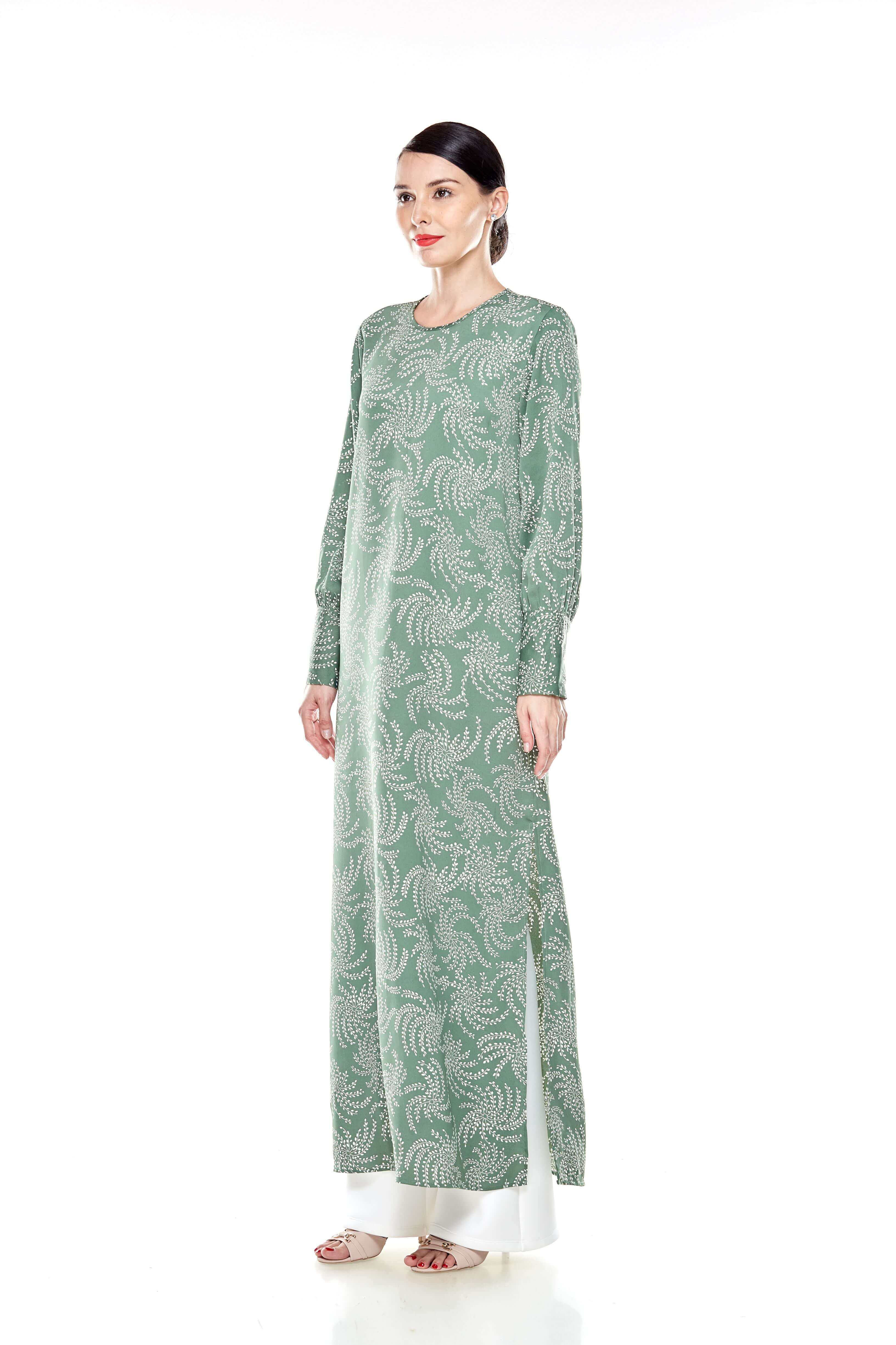 Green Printed Round Neck Dress With Slit (4)