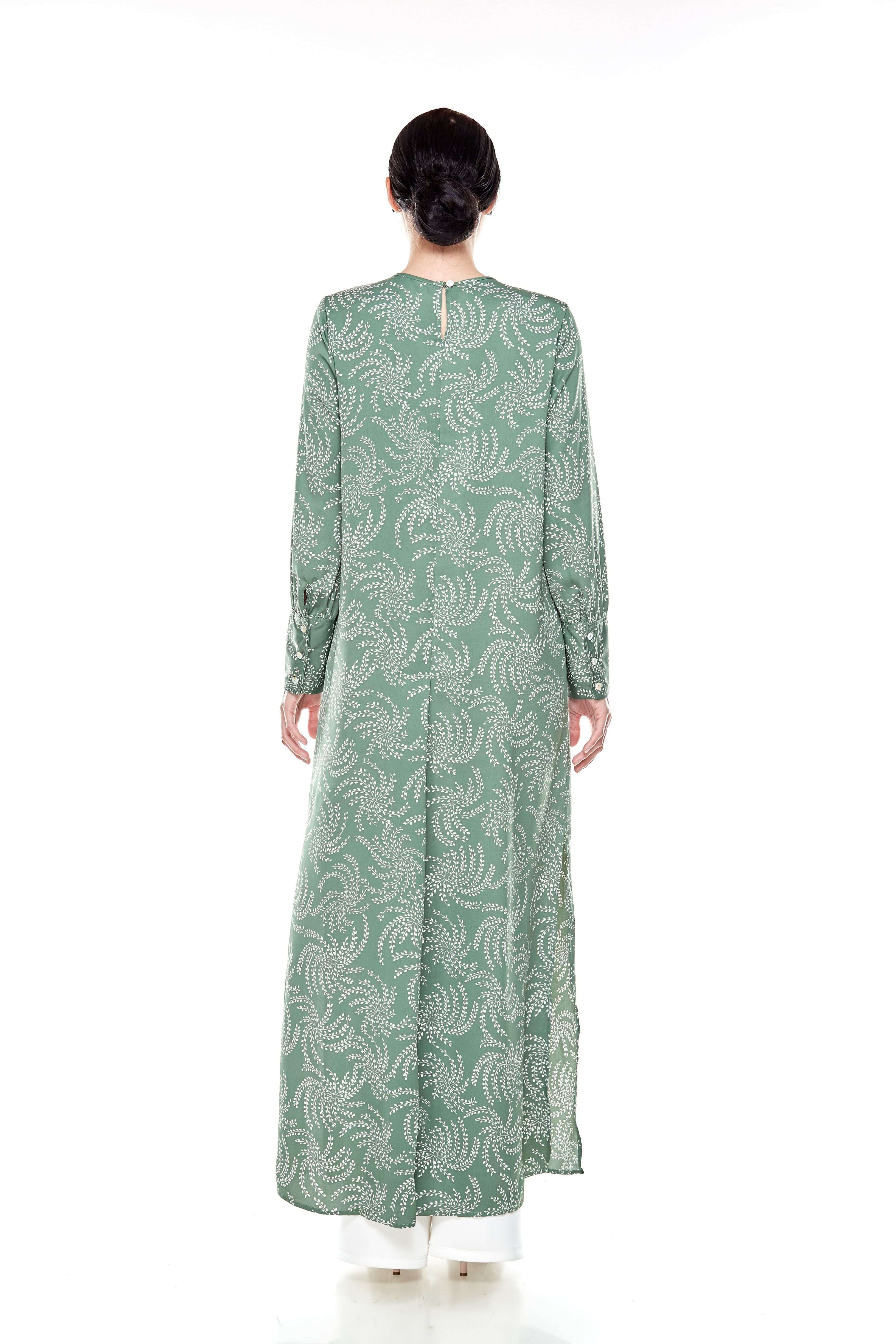 Green Printed Round Neck Dress With Slit (5)