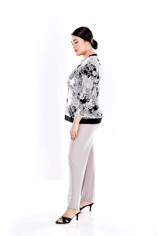 Black Printed Long Flare Sleeve Blouse 3