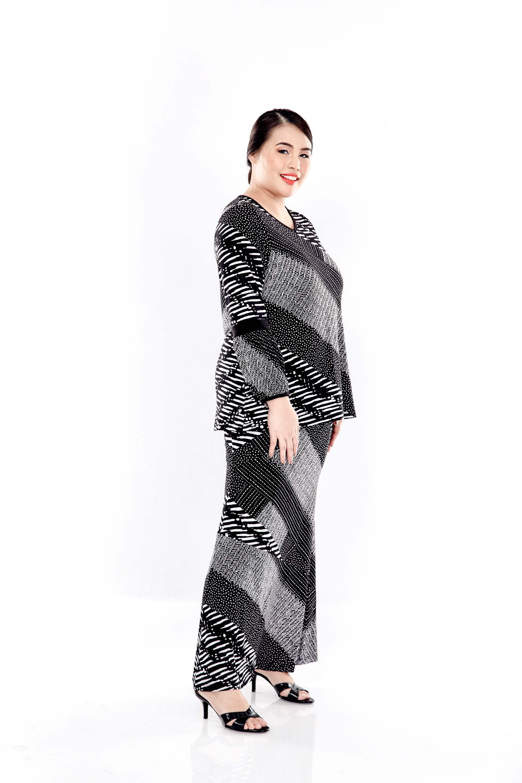 Black Printed Long Puff Sleeve V Neck Top 1