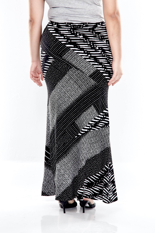 Black Printed Long Skirt 1