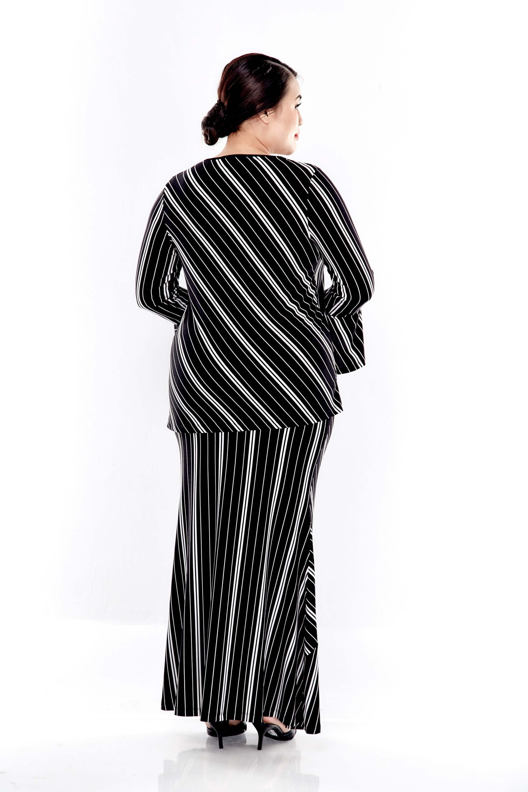Black Striped Round Neck Blouse With Double Layers Sleeve 1
