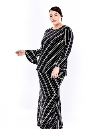 Black Striped Round Neck Blouse With Double Layers Sleeve