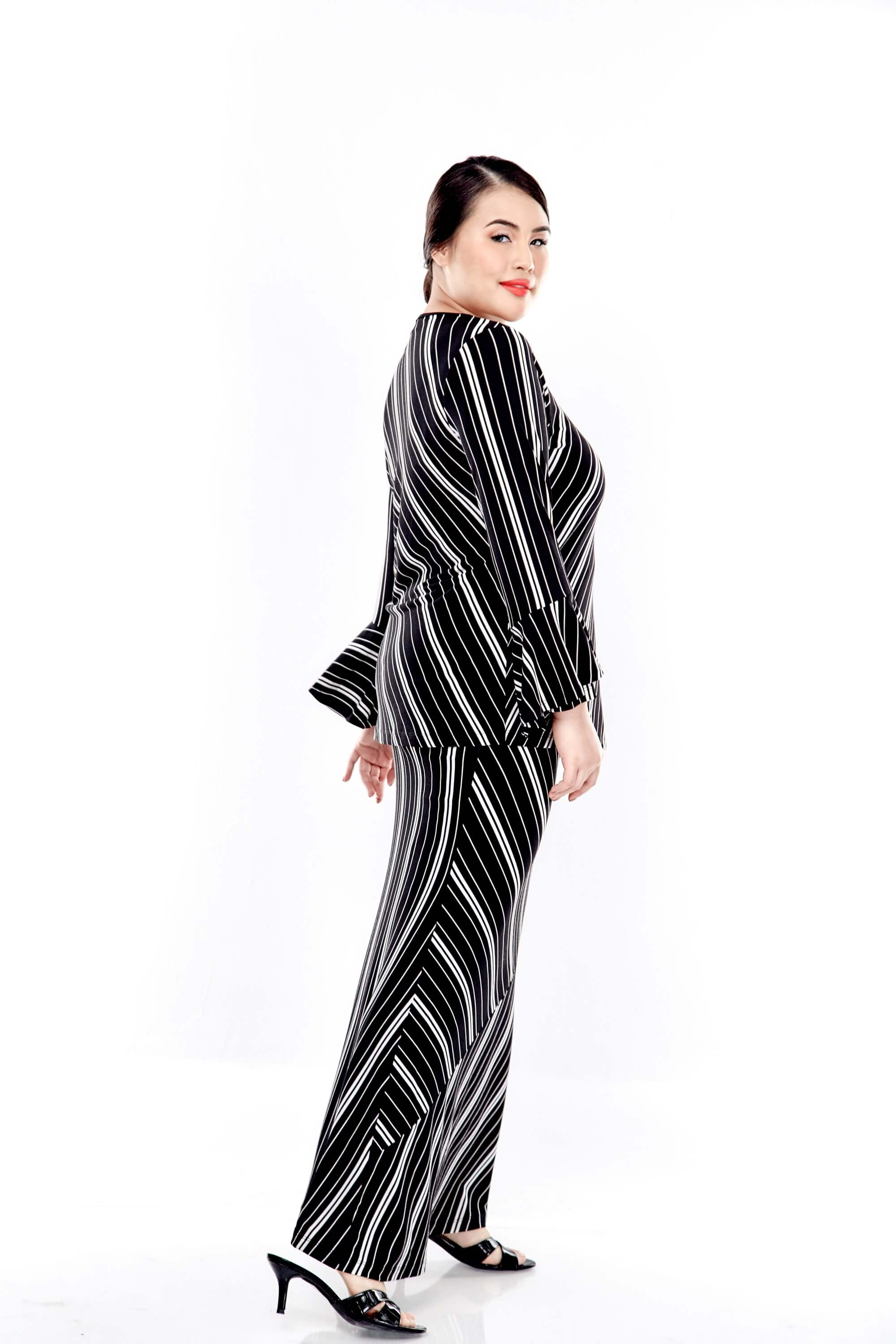 Black Striped Round Neck Blouse With Double Layers Sleeve 5