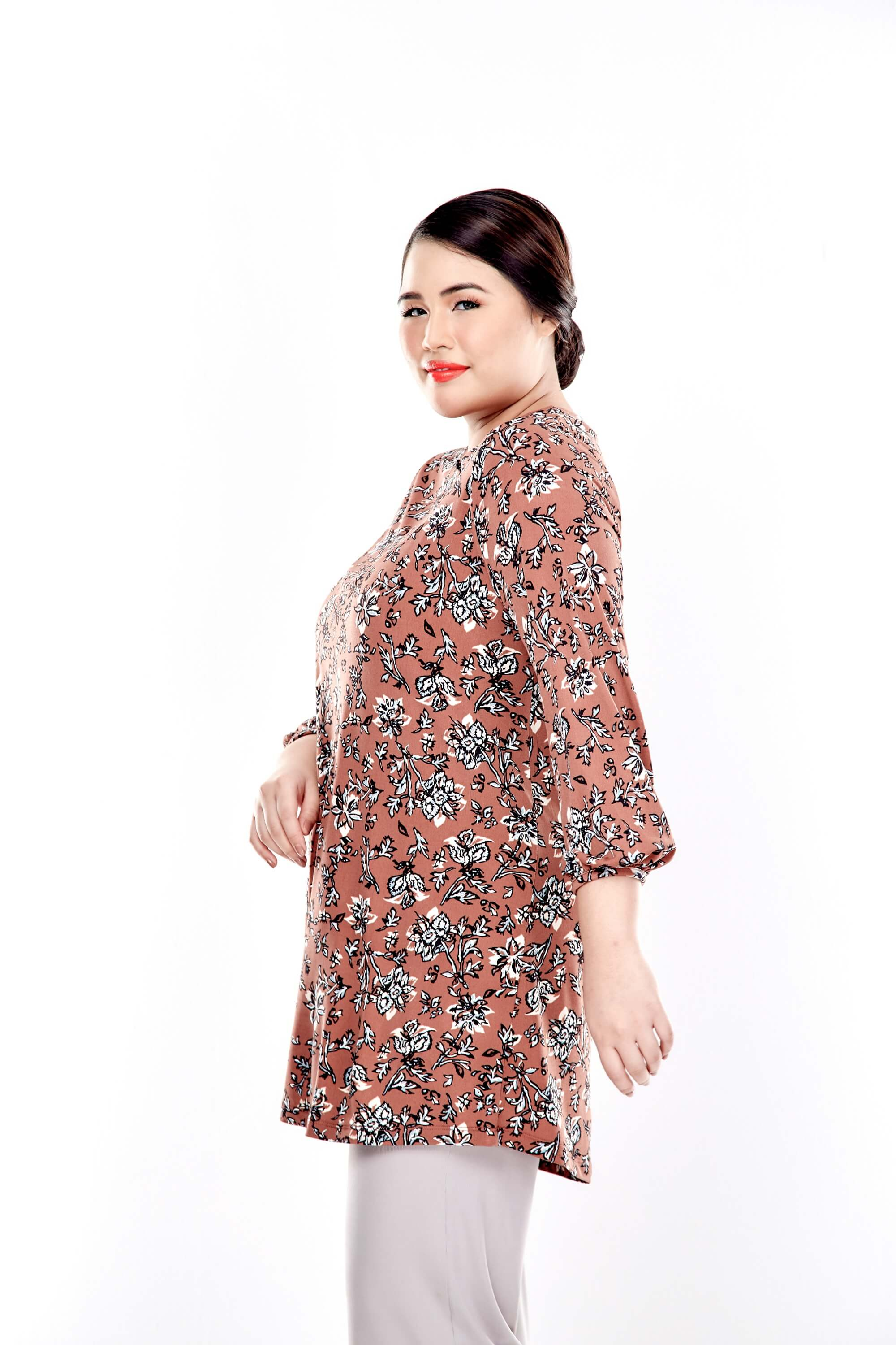 Brown Printed Long Puffle Sleeve Top With Mushroom Button 3