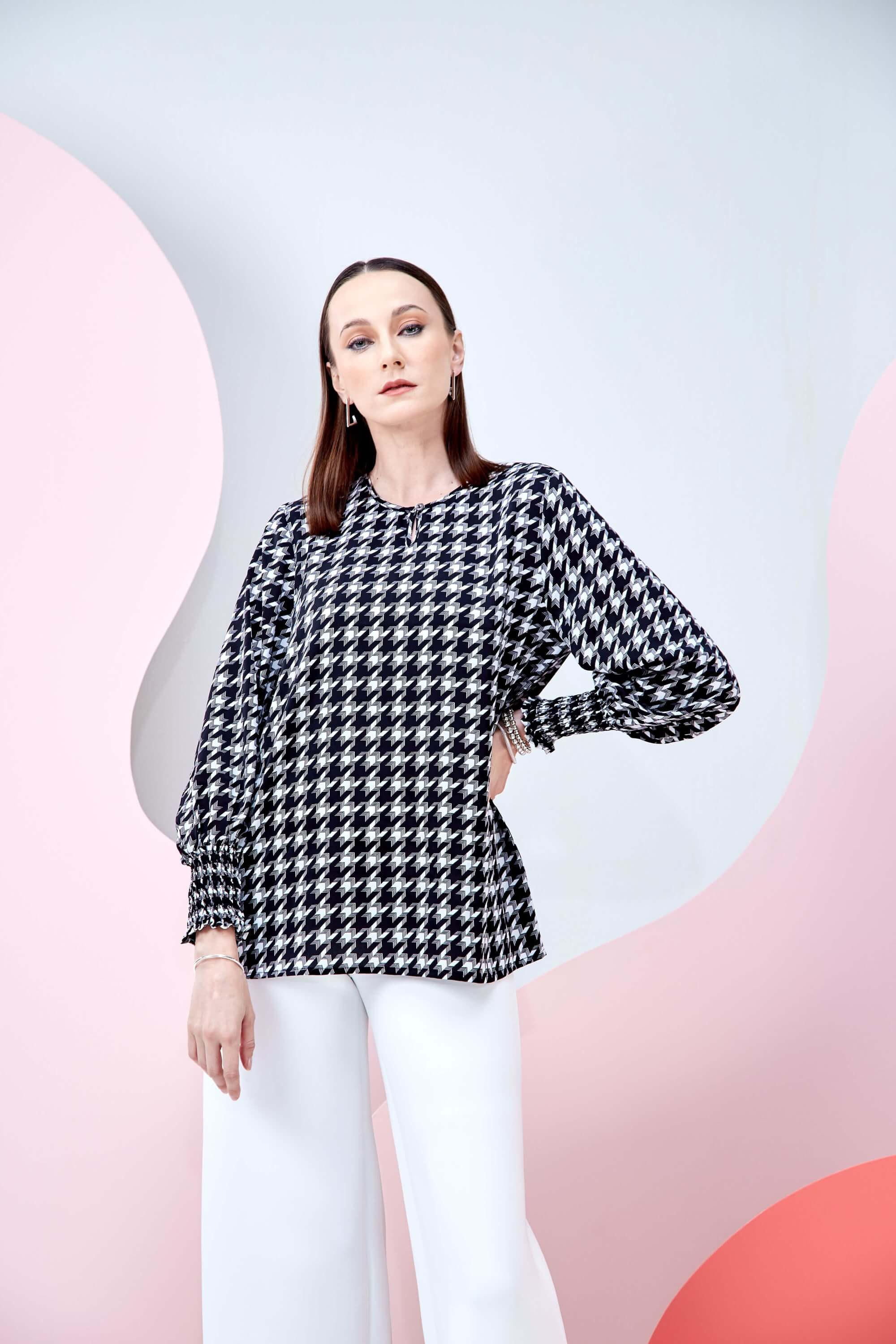 Wynna Black Houndstooth Blouse